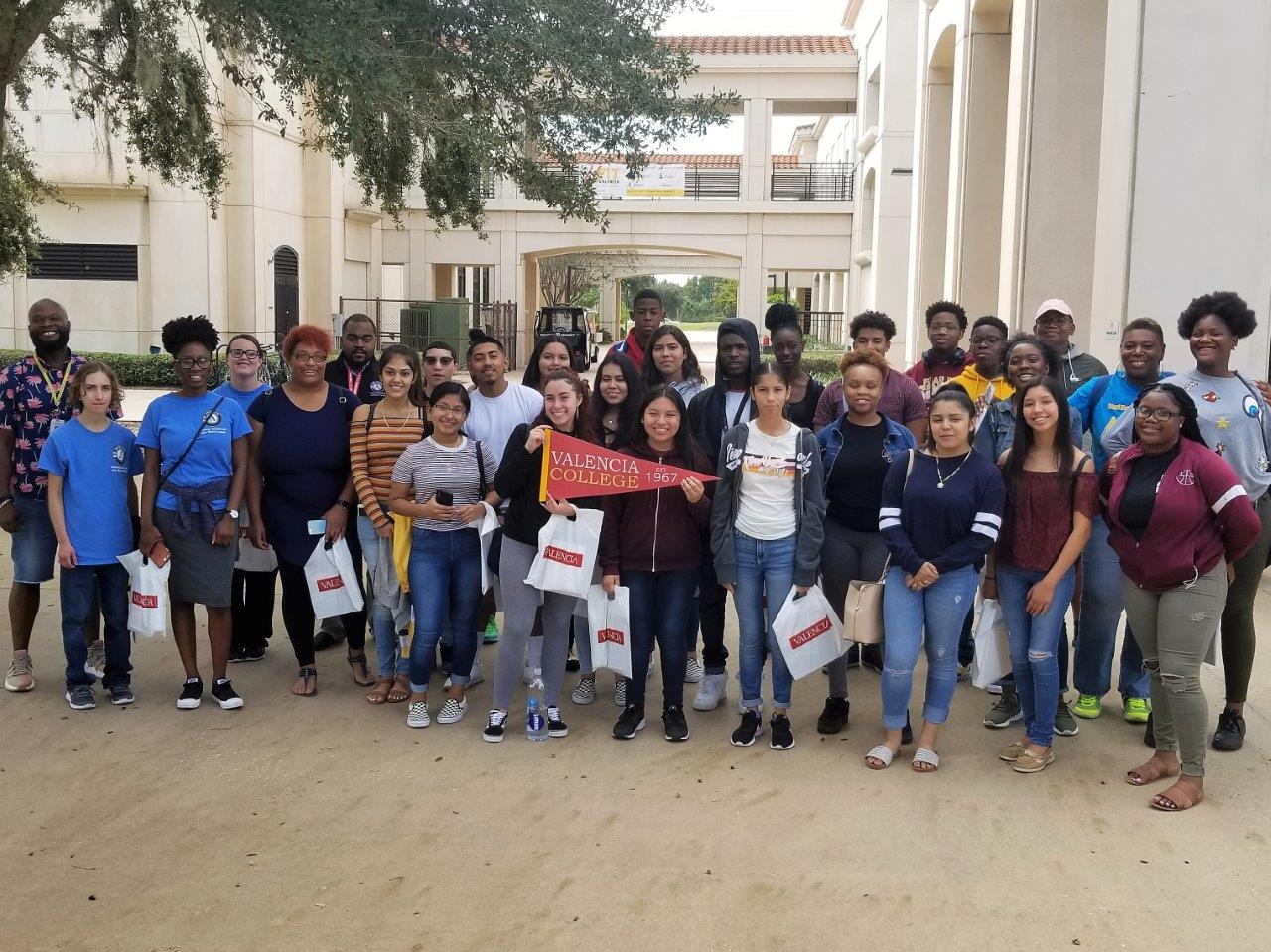 Johnson Scholars/Take Stock students explore campus life at Valencia College